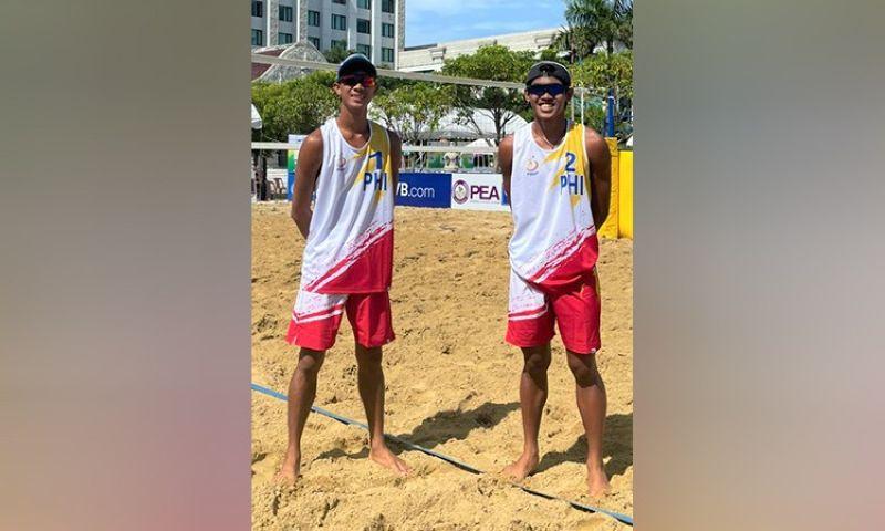 NEGROS. Victorias City-prides Jayrack dela Noche and Alexander Iraya are set to make their international debut in Thailand. (PNVF Photo)