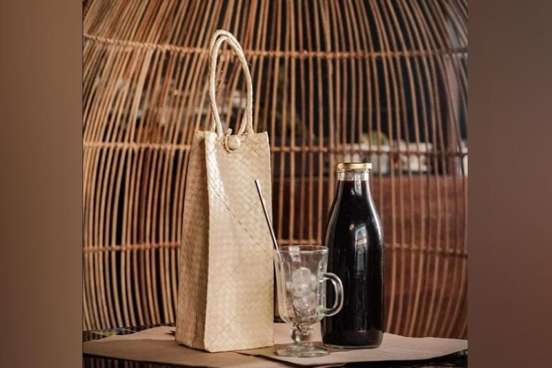 NEGROS. The Thirdwave Restaurant in Barangay Villamonte, Bacolod City is implementing a rental system for coffee brewing kits to reduce disposables, and a bottle exchange for cold brew coffee. (Contributed photo)