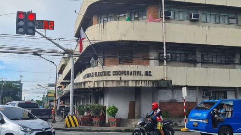 Seven officials of Central Negros Electric Cooperative are facing administrative charges over the recent 20-megawatt power supply agreement entered by the power distribution utility with Kepco Salcon Power Corp. (Erwin P. Nicavera Photo)