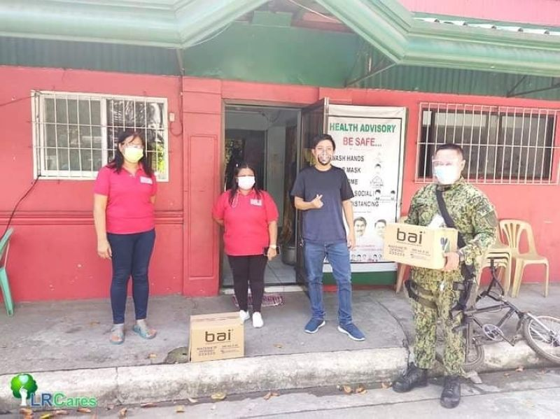 """BLEED FOR LIFE. LRC partners with Police Station 6 in holding the """"Dugong Alay, Dugong Buhay,"""" a bloodletting activity in Barangay Trentay Uno multipurpose hall recently. (Contributed photo)"""