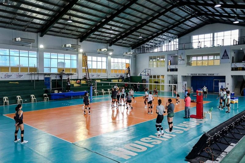 ILOCOS NORTE. The Premier Volleyball League has made adjustments to several game protocols to minimize close contact between players. (PVL)