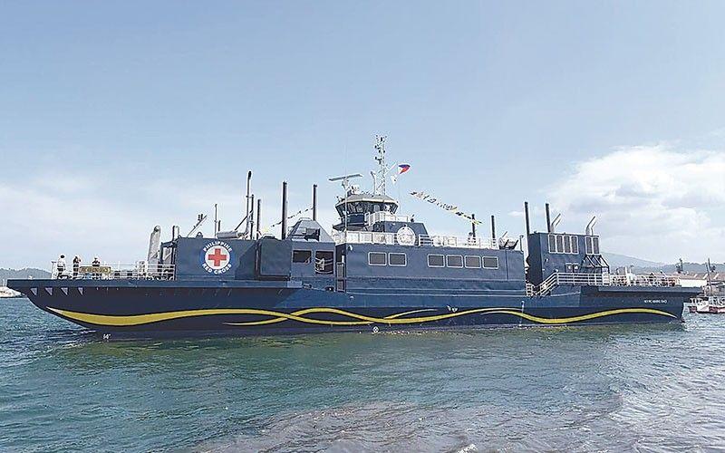BARKO: Ang Philippine Red Cross-owned M/V Amazing Grace, unang humanitarian vessel sa Pilipinas, gisuportahan sa Aboitiz Group pinaagi sa pagdumala sa barko. / Tampo