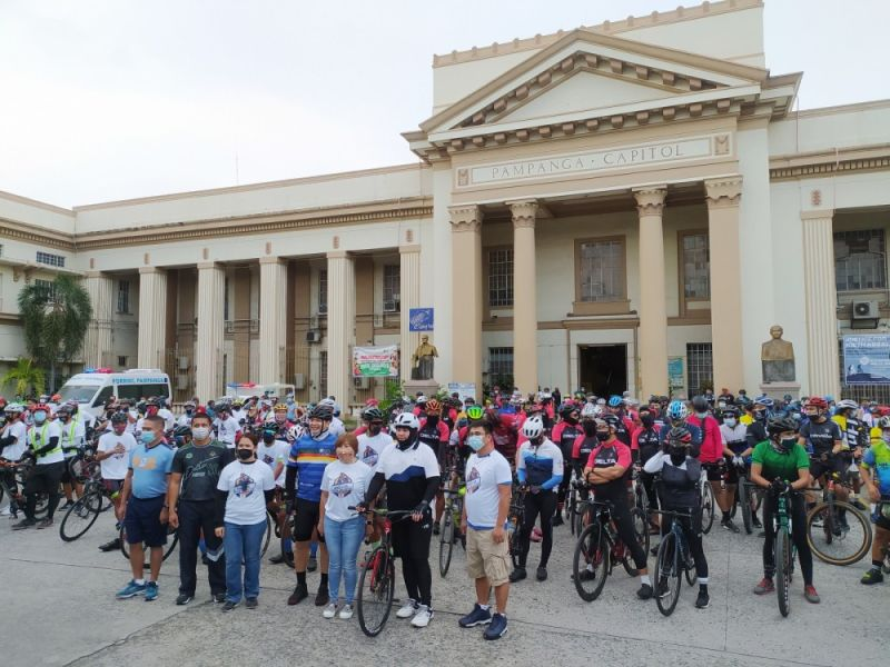 BIKE FOR PEACE AND JUSTICE. About 800 cyclists from 66 different biker groups in Pampanga, joined by Gov. Dennis Pineda, participated in in the Bike for Peace and Justice over the weekend. (PIA-Central Luzon)