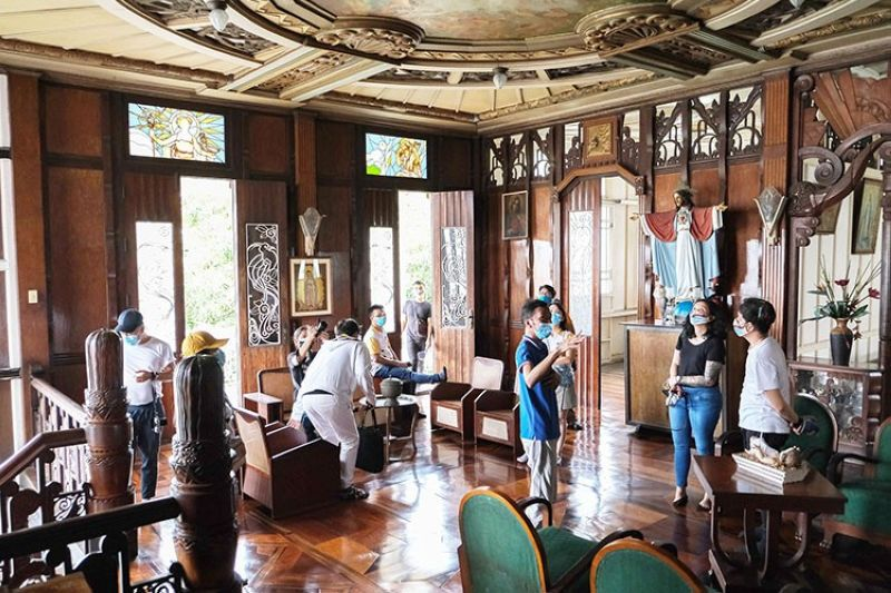 CULTURAL HERITAGE TOUR. The team visited the Santos Mansion known for its classical art deco architecture. (Contributed photo)