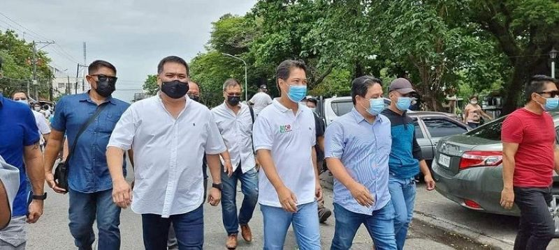 BACOLOD. Hector Yula, Teodoro Abao and Jonah Abao file opposition against Albee Benitez's transfer of voter's registration from Victorias City to Bacolod City. (File photo)