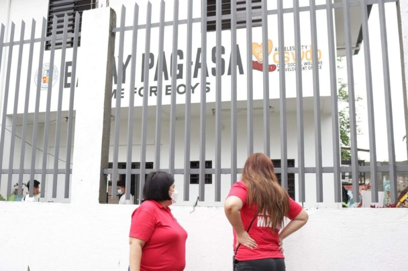 PAMPANGA. Mayor Carmelo Lazatin, Jr.'s trusted adviser IC Calaguas and Executive Assistant IV Reina Manuel conducted an inspection of the Bahay Pag-Asa recently. (Photo courtesy of Angeles City Information Office)