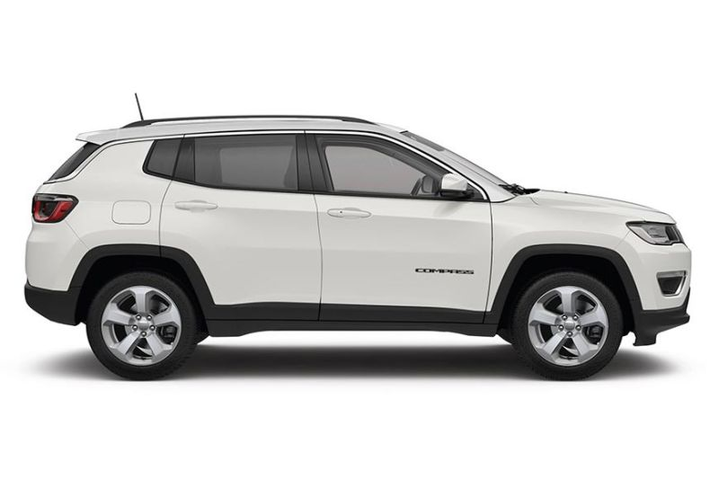 THE JEEP COMPASS BRINGS JEEP RUGGEDNESS TO CEBU CITY STREETS.