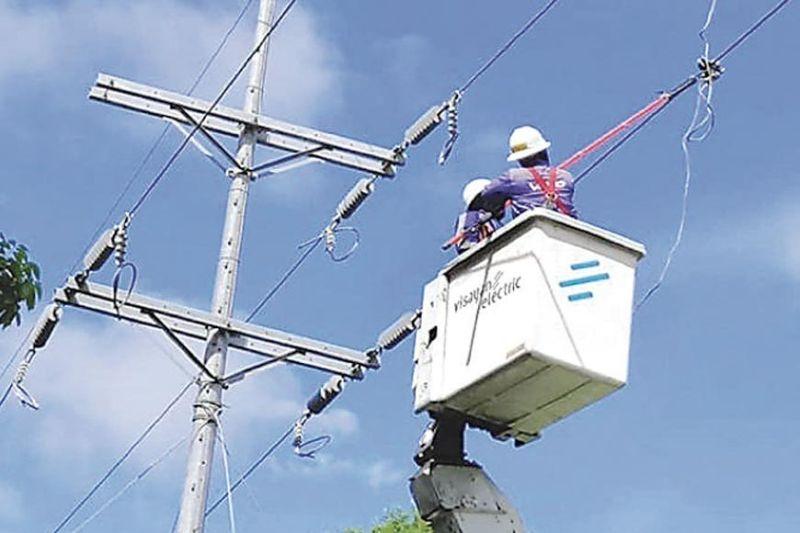 PAGDAGINOT: Mga kustomer sa Visayan Electric giawhag sa pagdaginot sa paggamit sa kuryente kay taas ang presyo sa merkado. / File