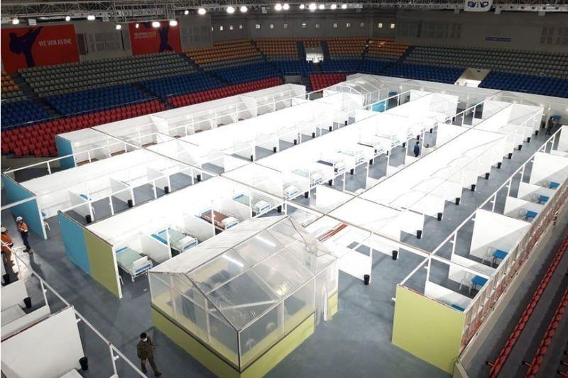 MANILA. The Ninoy Aquino Stadium at the Rizal Memorial Sports Complex was converted into a quarantine facility for mild cases of coronavirus disease (Covid-19). (File)