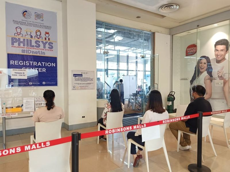 """PARTNERSHIP. Robinsons Malls has been named as an official mall partner of the Philippine Statistics Authority to house the """"Step 2"""" registration process of the Philippine Identification System or the National ID. / ROBINSONS MALLS"""