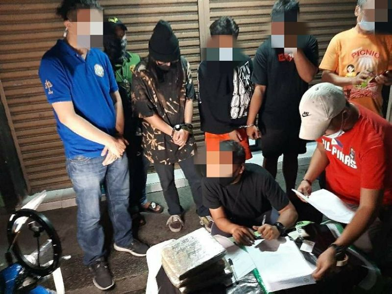 BUSTED. PDEA-Central Luzon operatives conduct an inventory of illegal drugs seized during a buy-bust operation in Angeles City. (PDEA Central Luzon)