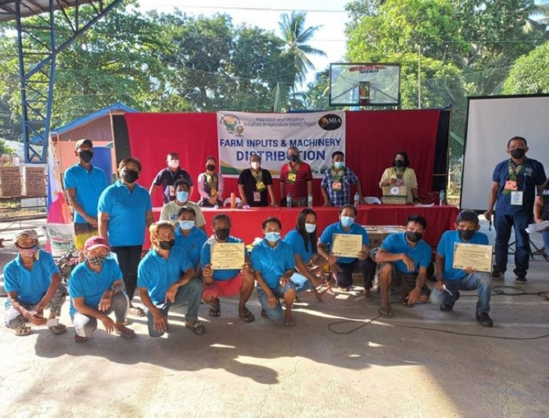 ZAMBOANGA. The Department of Agriculture (DA) distributes some P1.4 million worth of farm machinery and inputs to four associations of farmers and irrigators Tuesday, July 27, in Don Jose Aguirre village, Manukan, Zamboanga del Norte. Rad Donn Cedeño, DA regional executive director (third from left, backrow), together with other DA officials leads the distribution of the machinery and inputs to the intended recipients. (SunStar Zamboanga)