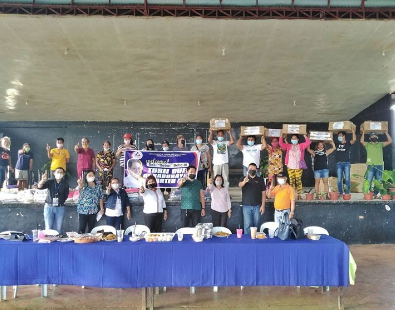 ZAMBOANGA. The Department of Labor and Employment (DOLE) recently distributes some P343,020 worth of Kabuhayan (Livelihood) Starter Kits (KSK) for carpentry and dressmaking to 20 individuals in Guipos, Zamboanga del Sur. A photo handout shows the recipients holding the KSK they received in a photo session with DOLE officials. (SunStar Zamboanga)