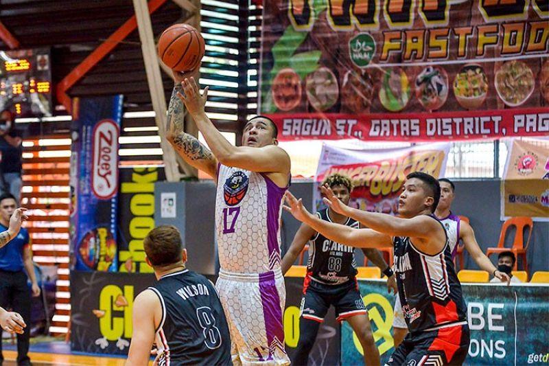 ZAMBOANGA. Veteran wingman Mac Cardona came up with several clutch baskets to push Zamboanga City past Clarin and into the next round. (Chooks-to-Go Pilipinas)