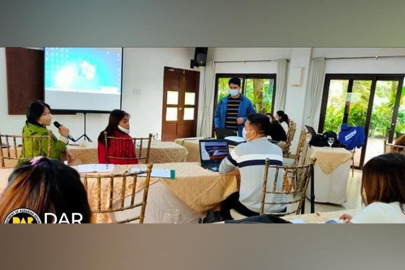 NEGROS. Personnel of DAR-Negros Occidental I Program Beneficiaries Development Division during the Agrarian Reform Beneficiaries Sustainability Program 1st Semester Review and 2nd Semester Planning Session at Nature's Village Resort in Talisay City recently. (Contributed Photo)
