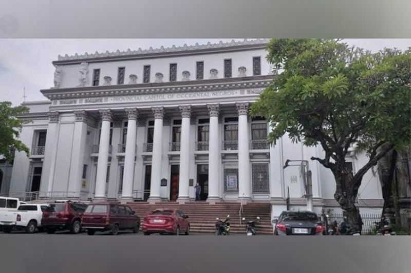 NEGROS. Capitol stops its vaccination operations in Bacolod City for three days so it can correct a backlog in its program. (File photo)