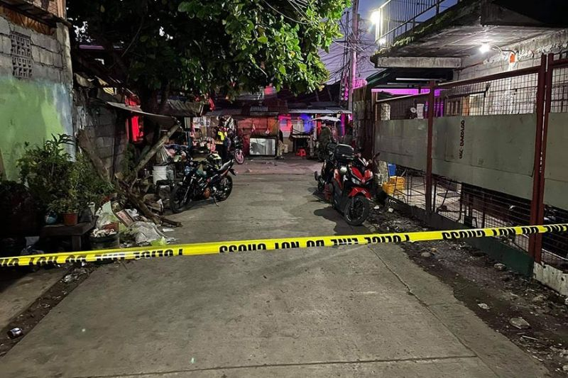 SHOT DEAD. A minor was shot to death by two unidentified motorcycle-riding assailants on Purok Mahiliugyon, Barangay 35 in Bacolod City Sunday evening, August 1, 2021. (BCPO Photo)