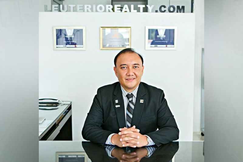 EXTENSION. On behalf of the real estate agents, Filipino Homes founder Anthony Gerard Leuterio has written a letter to 430 property developers asking them for payment extensions as buyers, including overseas Filipino workers, continue to face difficulties due to the Delta variant threat and the re-imposition of tighter lockdowns. / Filipino Homes