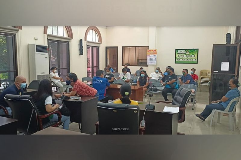 NEGROS. Negrense coaches attending the recent meeting with Provincial Sports Coordinator Anthony Carlo Agustin at the SP Session Hall. (Gunther Diaz Photo)