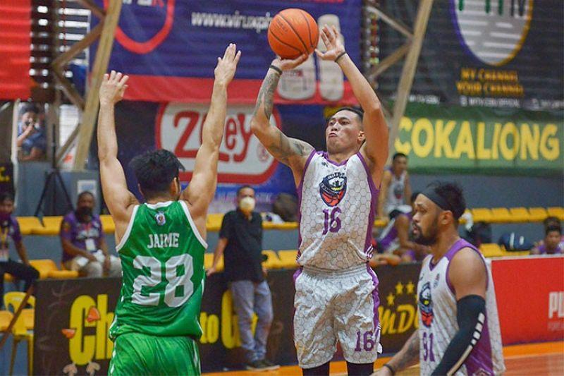 ZAMBOANGA. JPS Zamboanga City guard Jaypee Belencion hit several clutch shots to help his team send the semifinals to a deciding Game Three. (Chooks-to-Go Pilipinas)