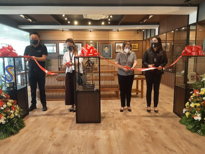 MUSEO LIBERATO. LGC President Paul Tristan Laus, Diorella Laus, Ma. Theresa Laus and Carissa Laus lead the ribbon-cutting ceremony for the formal opening of Museo Liberato. (Princess Clea Arcellaz)