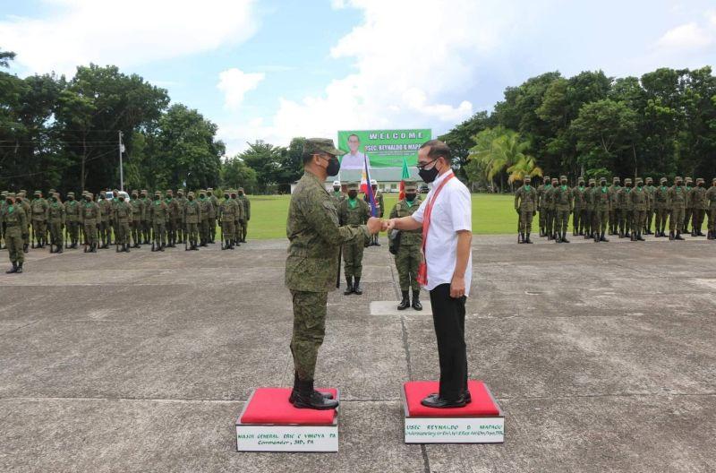NEGROS. DND Undersecretary Reynaldo Mapagu visits Camp General Macario Peralta Jr. on Tuesday, August 17, 2021. (Contributed photo)