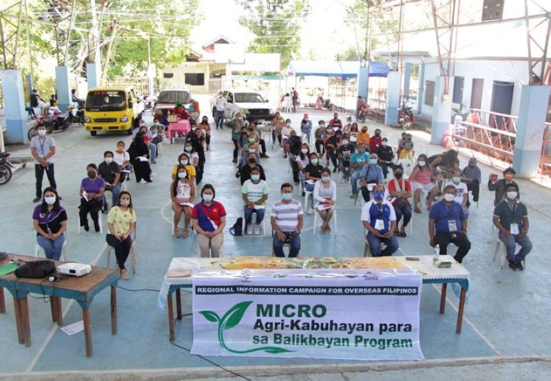 LIVELIHOOD IN AGRICULTURE. The Department of Agriculture and Overseas Workers Welfare Administration hold a livelihood forum for returning Overseas Filipino Workers, dubbed as Micro Agri-Kabuhayan para sa Balikbayan program on Thursday, August 19, in Zamboanga del Norte. A photo handout shows the forum participants seated one meter apart in compliance with the minimum health protocol while attending the forum in Poblacion village, Salug, Zamboanga del Norte. (SunStar Zamboanga)