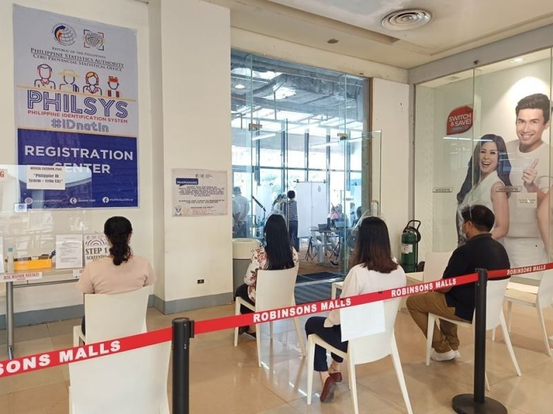 """NATIONAL ID. The """"Step 2"""" registration process of the Philippine Identification System or the National ID is being conducted in Robinsons Malls, an official mall partner of the Philippine Statistics Authority. (SunStar file)"""