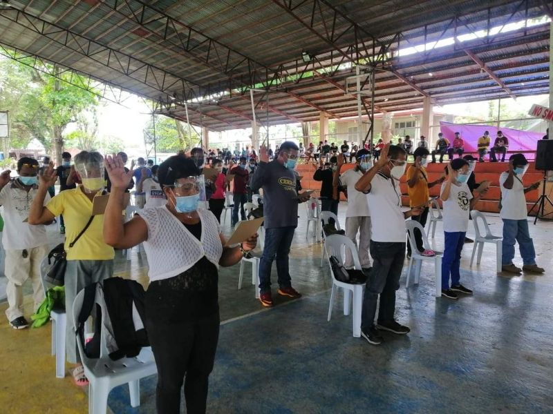 NEGROS. The 42 qualified agrarian reform beneficiaries from Moises Padilla town took their oath before Municipal Trial Court Judge Ma. Lynette Eusebio at Isabela Covered Gym on Tuesday, August 24. 2021. (Contributed Photo)