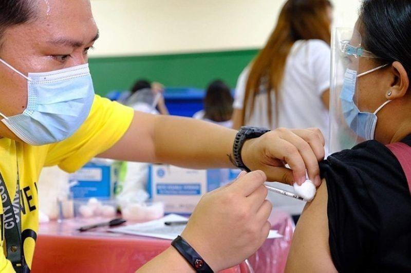 Adverse effects of vax below 1%. (File photo)