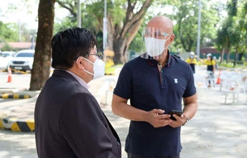 PAMPANGA. Mabalacat Mayor Cris Garbo and CILA Chairman Dr. Irineo 'Bong' Alvaro, Jr. discuss cooperative measures about the city and Clark Freeport. (File photo)