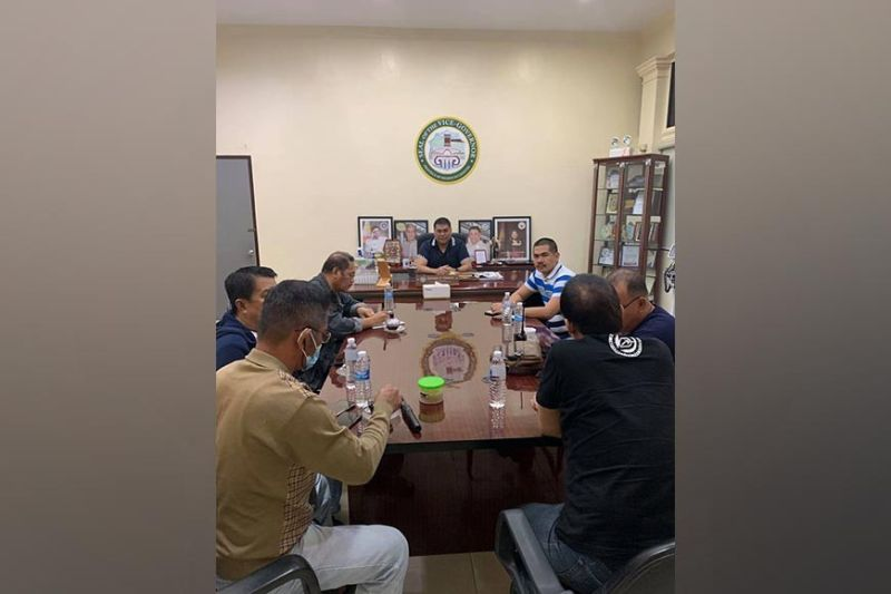 NEGROS OCCIDENTAL.  Moises Padilla Vice Mayor Ian Villaflor and Sangguniang Bayan Member Jimmie Don Plaza voluntarily surrender to Vice Governor Jeffrey Ferrer on September 1, 2021. (Office of Vice Governor Jeffrey Ferrer photo)