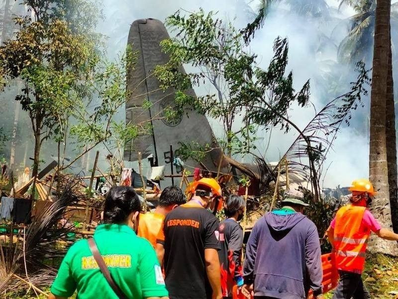 SULU. A C-130 plane carrying newly trained soldiers crashes in Patikul, Sulu on July 4, 2021. (File)