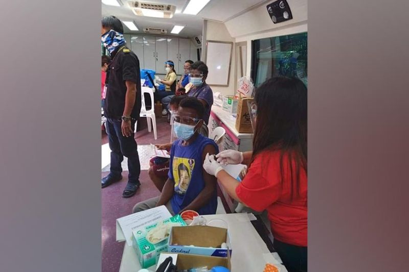 PAMPANGA. An Aeta from Sapang Bato in Angeles City gets vaccinated. (Contributed photo)