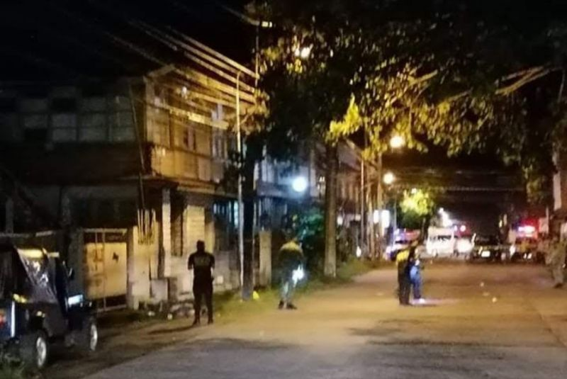 BACOLOD. Police conduct an investigation at the area on Rosario Street at Barangay 38 in Bacolod City where a headless man was found last Tuesday, August 31. (Contributed photo)
