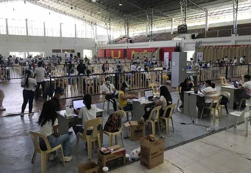 DAVAO. The Davao local government holds inoculation program for BPO industry employees in UM Gym Matina vaccination site. (Contributed photo)