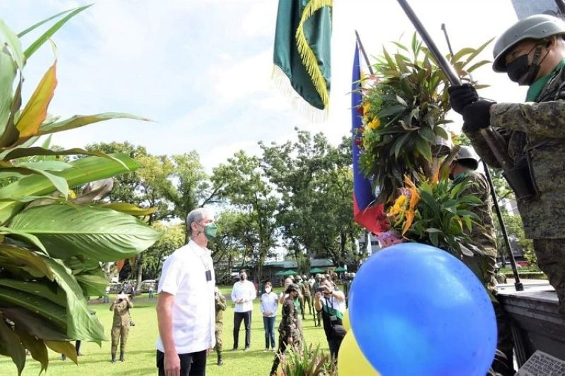 VICTORY DAY. Negros Occidental Governor Eugenio Jose Lacson during the commemoration of the 76th Negros Island Victory Day at the Provincial Capitol Lagoon and Park in Bacolod City Thursday, September 9, 2021. (Capitol Photo)
