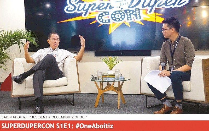 ■ GUESTS SA SUPERDUPERCON: Si Sabin Aboitiz ug usa ka team member guests atol sa usa ka episodes sa SuperDuperCon. / Tampo