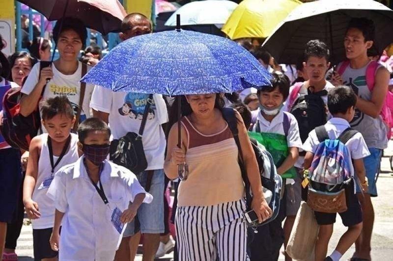 1.9M students 'return' to school. (File photo)