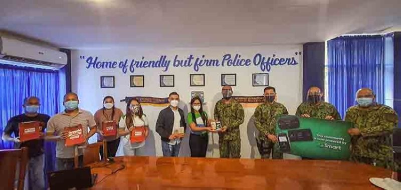 Service and 'malasakit' VisMin LGUs, agencies get connectivity support from Smart (Contributed photo)