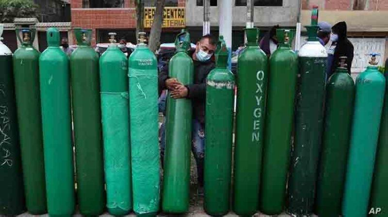 Oxygen plant in city may not happen soon (AP photo)