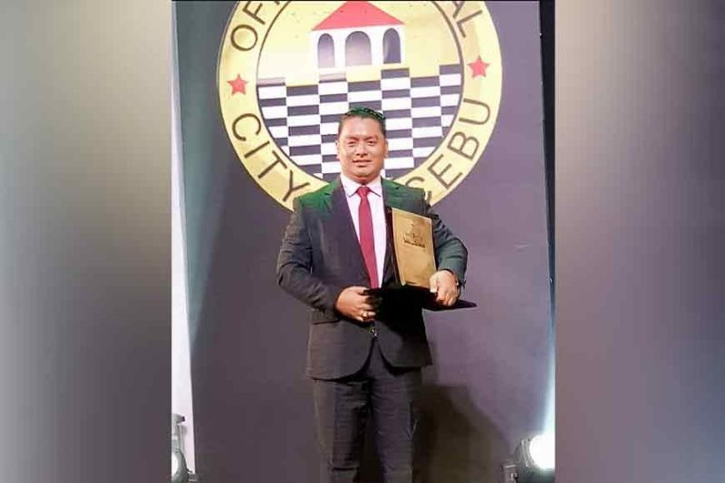 POSSIBLE MAYORAL CANDIDATE. Major Chuck Barandog, chief of the Cebu City Mobile Force Company, says he is considering running for city mayor in the 2022 elections. In 2019, former Cebu City mayor Tomas Osmeña accused Barandog of harassing his supporters during the elections. / CHUCK BARANDOG'S FACEBOOK