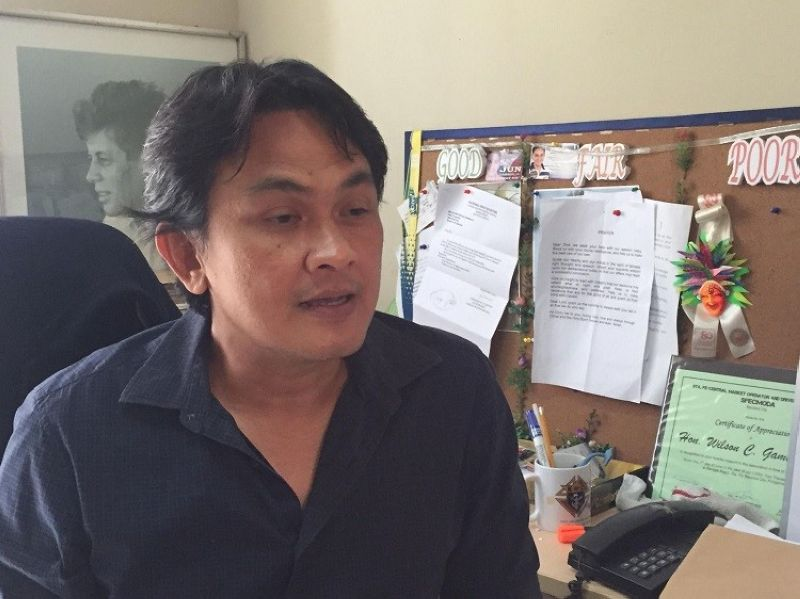 BACOLOD. Councilor Wilson Gamboa Jr. pushes for the professionalization of the hiring of health workers in the city. (APN photo)