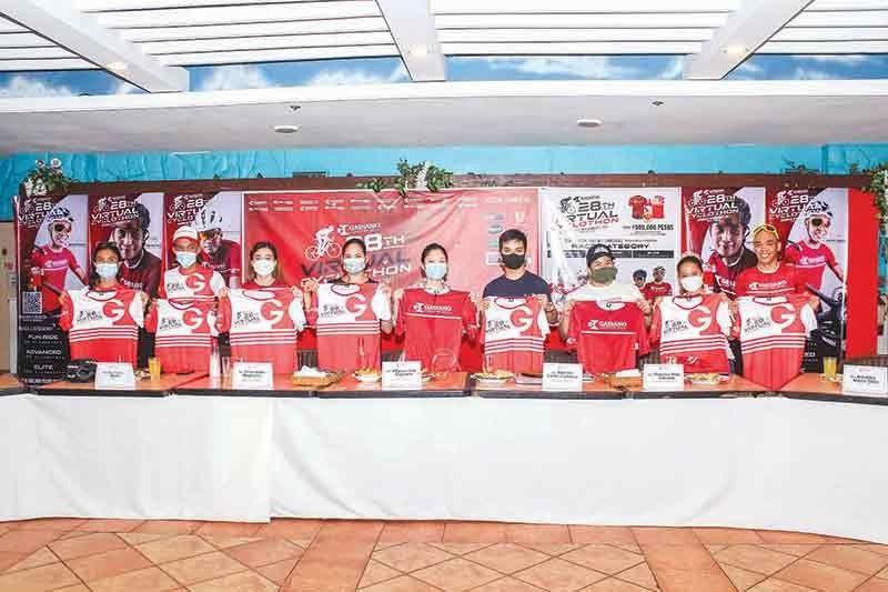 ■ CYCLOTHON: Ang organizers, coaches, trainers/instructors atol sa press conference sa Gaisano Country Mall 28th Anniversary Virtual Cyclothon. / Tampo