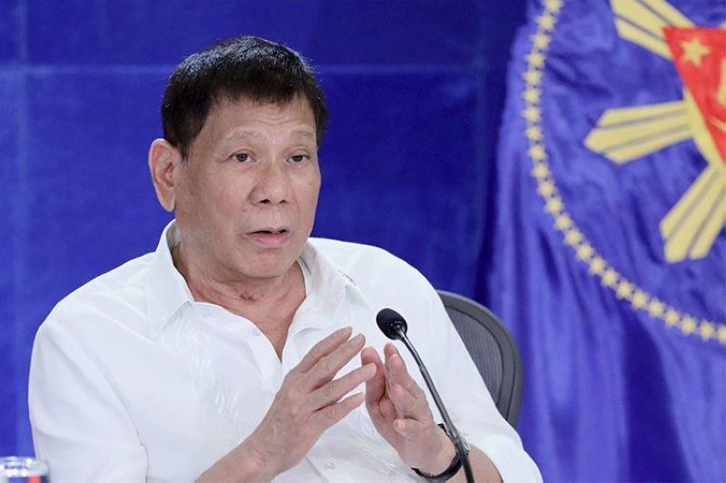 MANILA. President Rodrigo Duterte talks to members of the Cabinet Wednesday, September 22, 2021. (Presidential Communications)