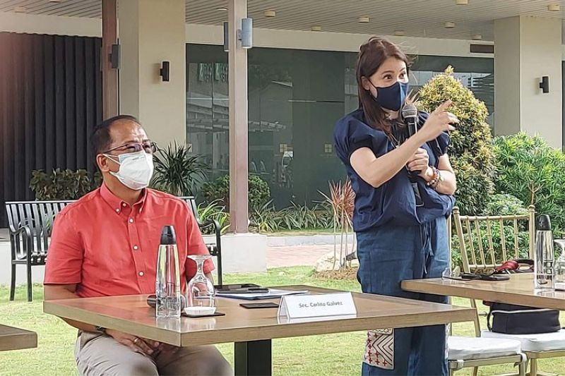 Puyat targets 100% vaccination for tourism sector by end of 2021 (Contributed photo)