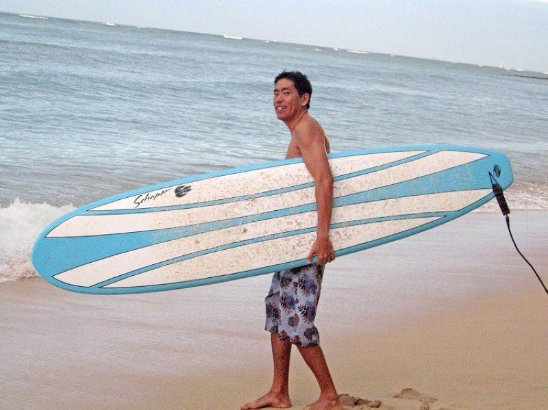 LIFESTYLE. In Hawaii's Waikiki Beach. Surfer, true or false. (Photo by Jinggoy I. Salvador)