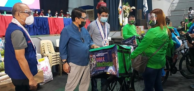 CAGAYAN DE ORO. The Department of Labor and Employment (DOLE) Secretary Silvestre Bello III has led the turnover of the P6,540,000 worth of programs and assistance to 1,358 beneficiaries in Cagayan de Oro on Friday, September 24. (Jo Ann Sablad)