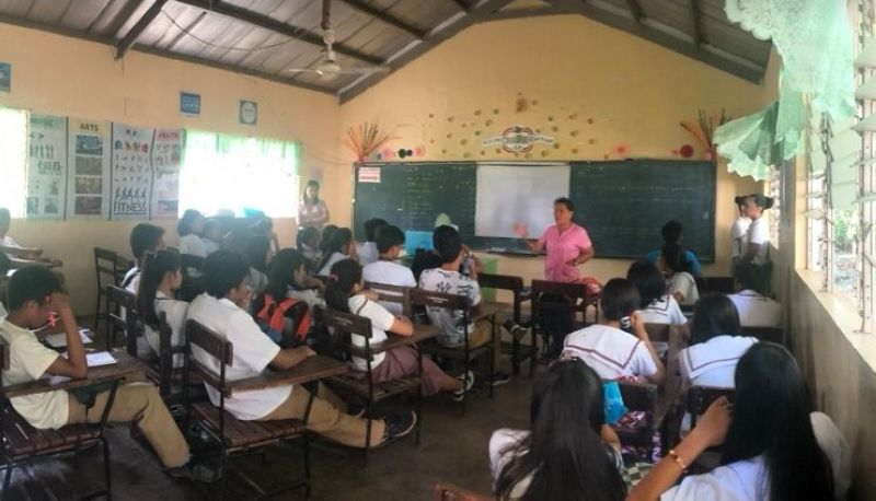 NEGROS. The Department of Education is urged to coordinate with the barangays before implementing the limited face-to-face classes in Bacolod City. (File photo)