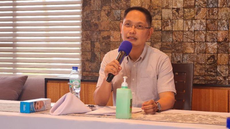 "NEGROS. Negros Occidental Third District Representative Jose Francisco ""Kiko"" Benitez in a press conference in Murcia town Sunday, October 3. (Erwin P. Nicavera photo)"